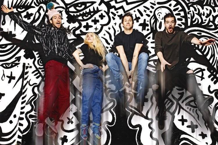 Kanadští Walk Off The Earth, kteří dělají originální covery populárních songů, se vrací do Prahy