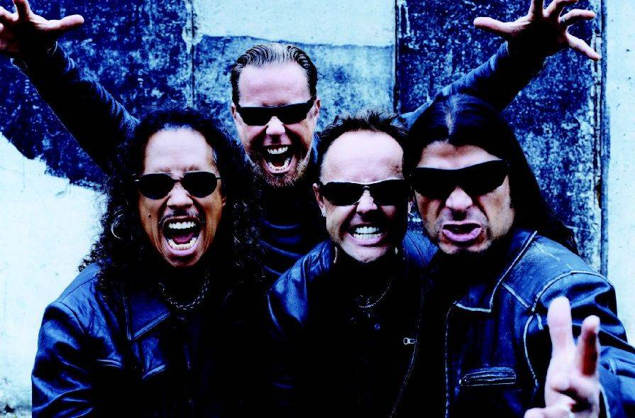 TOP 10 nejoriginálnějších míst pro koncerty: Metallica hrála na Antarktidě, Johnny Cash ve vězení, Bon Iver na hřbitově