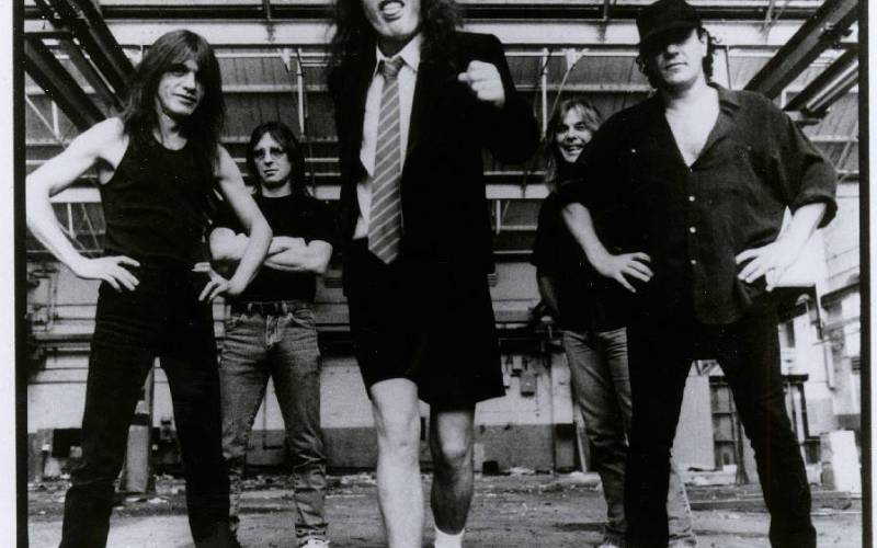 TOP 10 kapel, které vyměnily frontmana. AC/DC, Queen, Genesis a další. Lze to přežít?