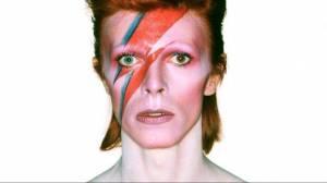 TOP 10 | Vesmírná symfonie v podání Beatles, Queen, Davida Bowieho, Police, Eltona Johna a dalších