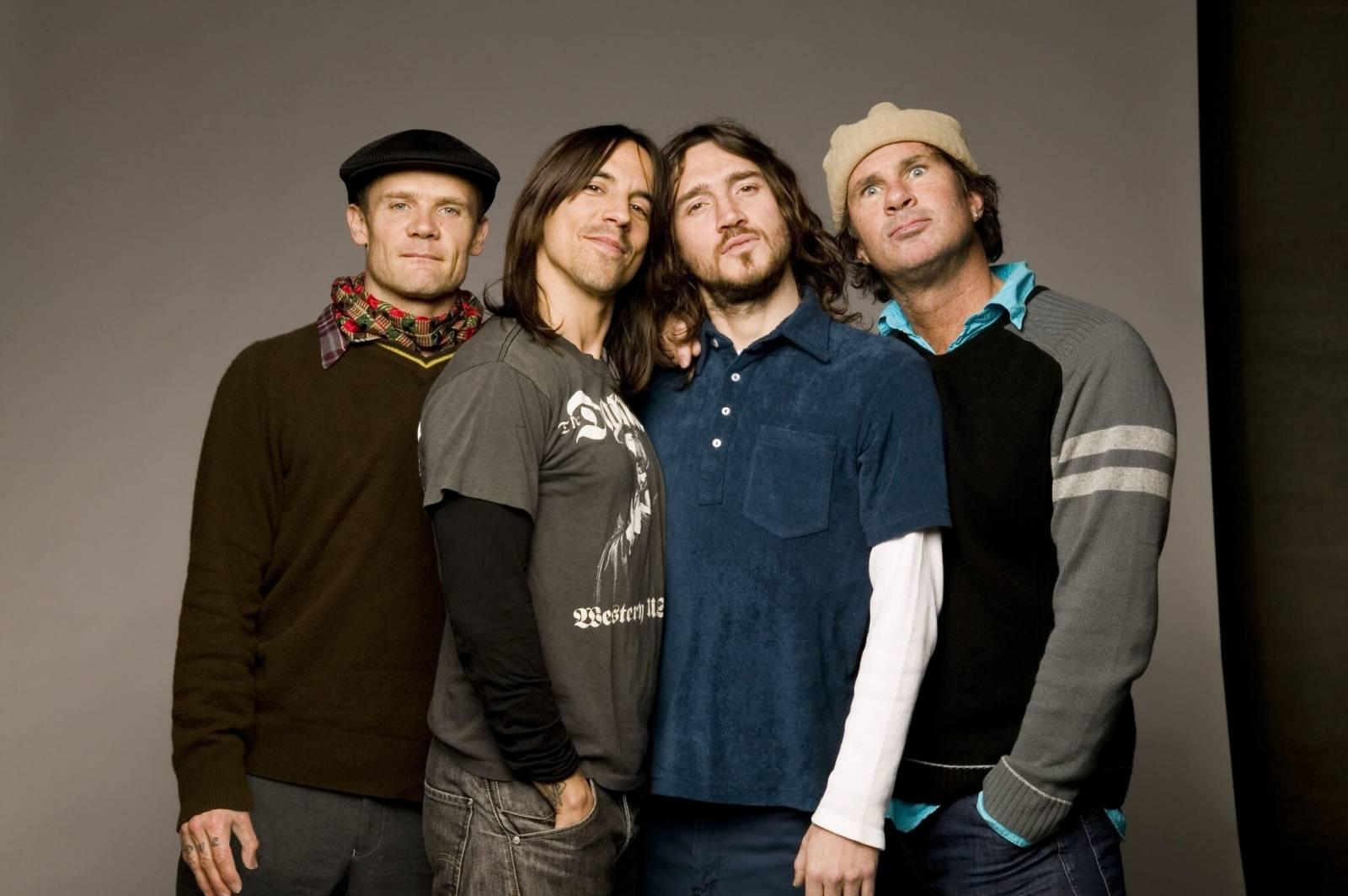 TOP 10   V roce 2021 vydají alba Red Hot Chili Peppers, Foo Fighters, Sting, Serj Tankian a další