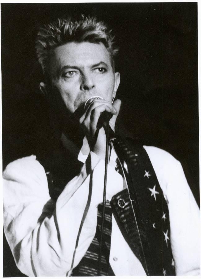 RETRO: David Bowie tisíckrát jinak. Ať už experimentoval s halucinogeny, amfetaminy nebo japonským divadlem, vždy působil, že přesně ví, co dělá