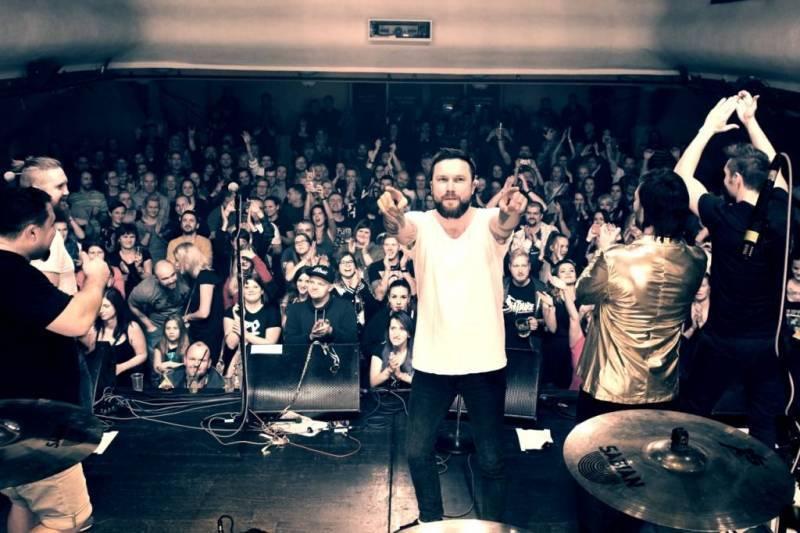 ANKETA | Klub, kde jsem doma: Marek Ztracený pařil v Lucerna Music Baru a Michal Skořepa ve Vagonu trhal železné trubky ze stropu
