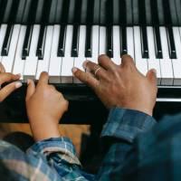 Jak vybrat keyboard a naučit se na něj hrát?