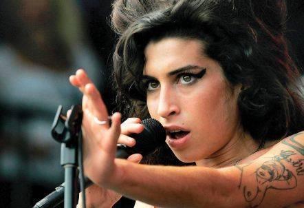 TOP 5 zásadních písní Amy Winehouse. Zpěvačky, která uhranula svět svým jedinečným hlasem