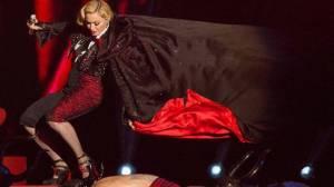 POST SCRIPTUM (26): Padající Madonna, znásilněný Drake, sabotující Kanye West - i takový byl rok 2015