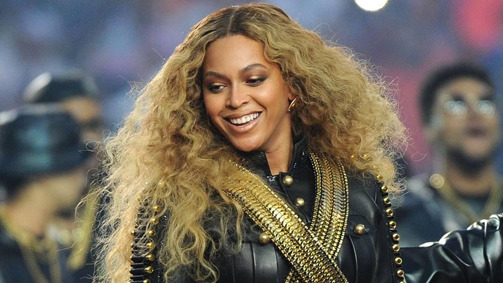 HITPARÁDY (44.): Beyoncé ve světě převálcovala Prince, v Česku jsou kvůli systému oba bez šancí