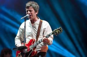 POST SCRIPTUM (54): Slipknot bojují proti mobilům a Noel Gallagher si kvůli selfie nemůže koupit ani spodky