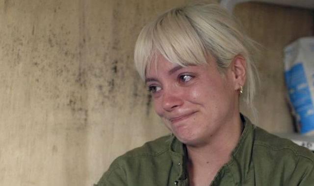 POST SCRIPTUM (64): Lily Allen skončila po návštěvě uprchlického tábora v slzách. Chování Británie přirovnala k nacistům