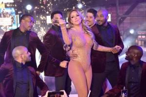 POST SCRIPTUM (73): Mariah Carey se stala obětí špatné produkce. Svět se směje jejímu silvestrovskému debaklu