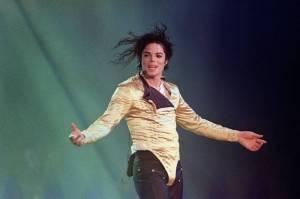 POST SCRIPTUM (75): Bílý Michael Jackson pobouřil svět, Trent Reznor se vzteká nad hloupými uživateli sociálních sítí
