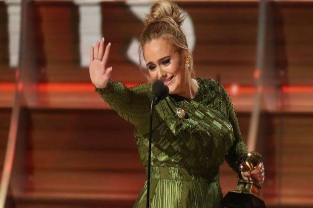 POST SCRIPTUM (78): Adele trumfla na Grammy Beyoncé. Důvod je jasný - může za to rasismus