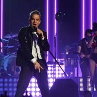 BLOG: Robbie Williams v Praze - Když se celoživotní zážitek ztratí na rozmazaných displejích telefonů