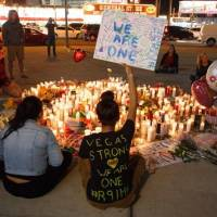 POST SCRIPTUM (91): Americký country festival se proměnil v masakr. Regulace zbraní ale stále není na pořadu dne