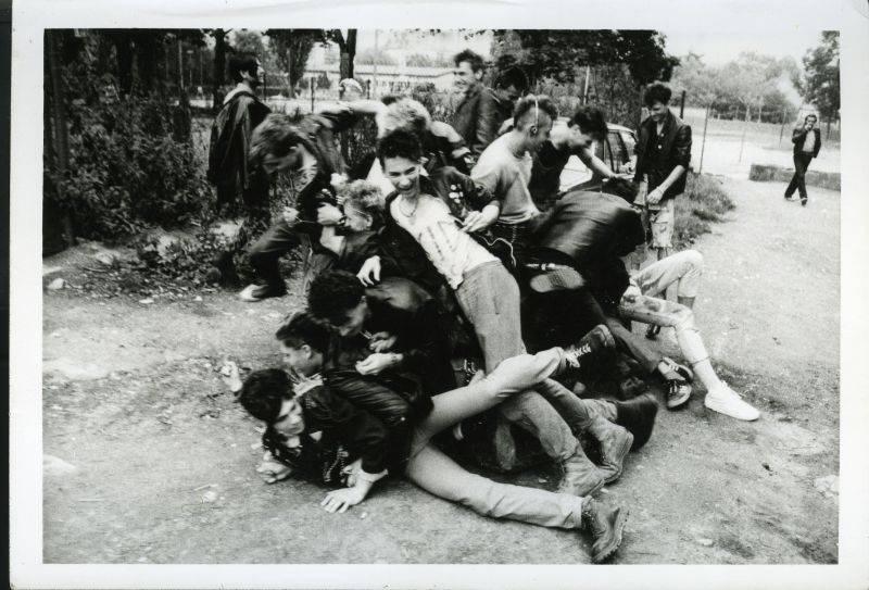 ZE ŽIVOTA PUNKU - 7.díl: Obušky na oslavě míru
