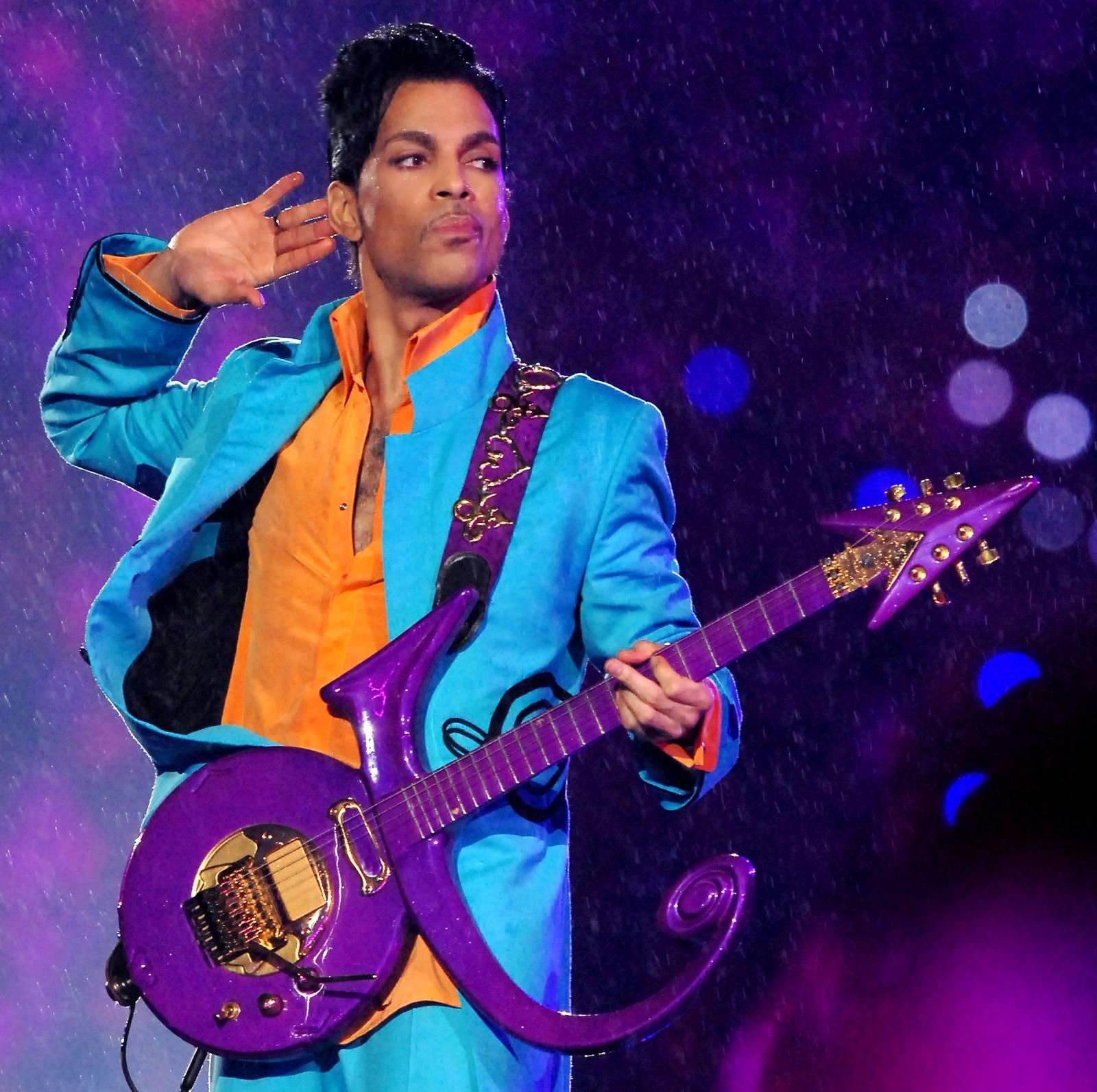 Prince - fialový malý velký muž pop music