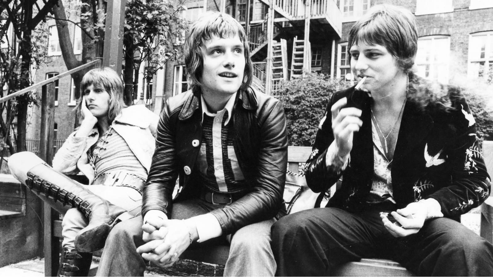 SMRT SI ŘÍKÁ ROCK'N'ROLL: Greg Lake - jeden ze tří mušketýrů progresivního rocku sedmdesátých let