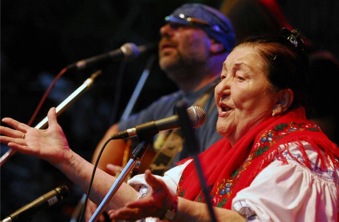 Jarmila Šuláková - Královna valašského folklóru, která poslouchala Black Sabbath
