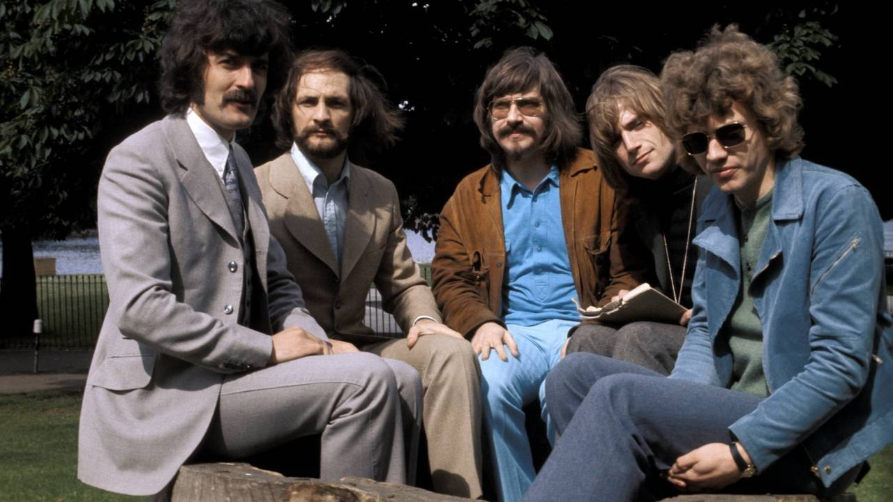 Ray Thomas - spoluzakladatel progrockových The Moody Blues, který prohrál boj s rakovinou
