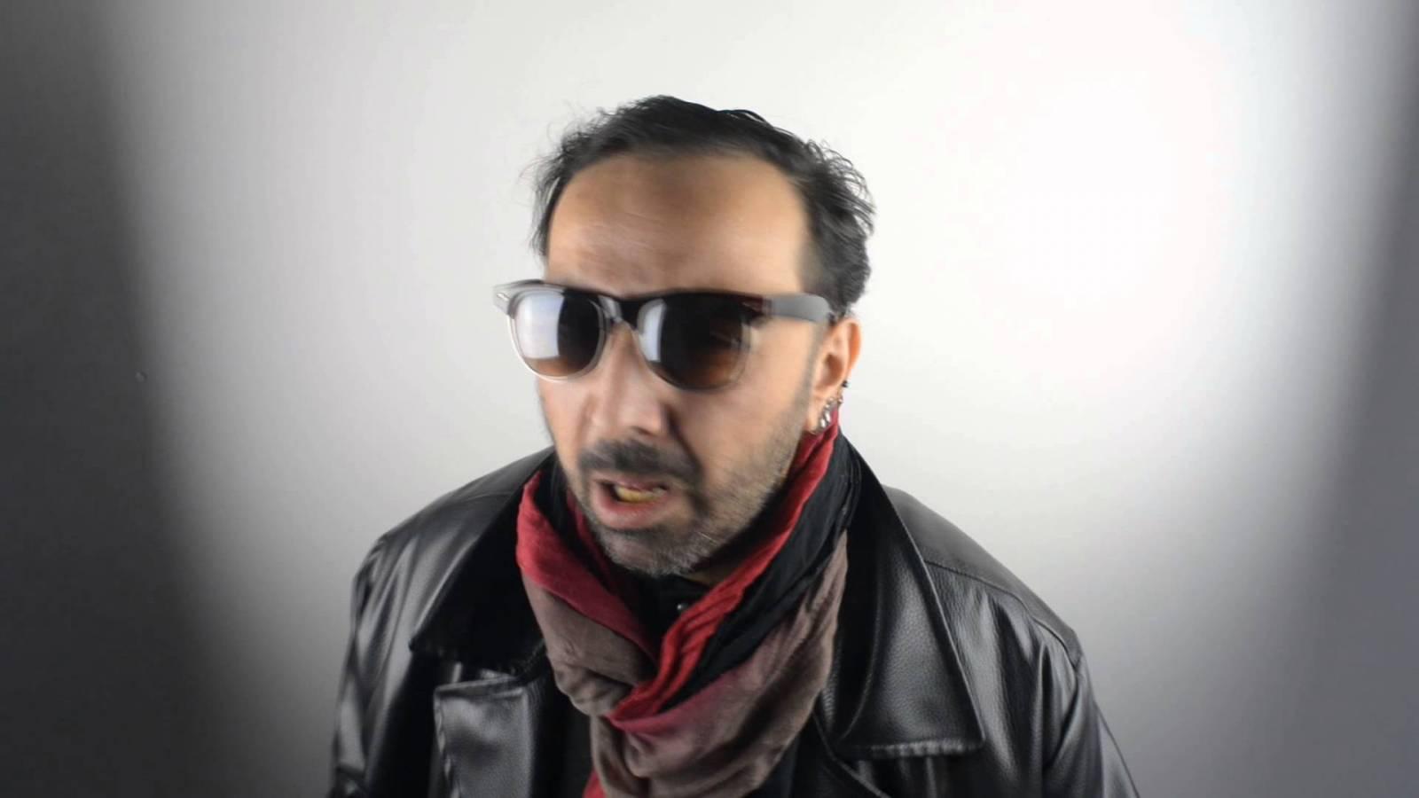 Aram Delan - multiinstrumentální talent, který bavil svou vyhlášenou baskytarovou technikou