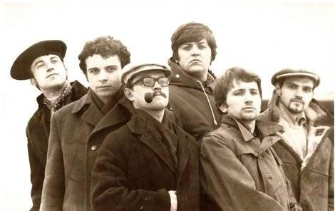 Milan Dufek - Svůj hudební život zasvětil skupinám Rangers a Plavci, zemřel v Kolumbii při potápění