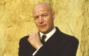 Karel Hála - Swingový elegán s nezaměnitelným barytonem a holou hlavou. Ke kariéře pomohl i Třem sestrám