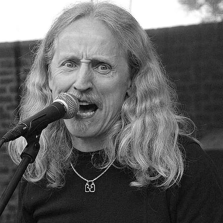 Petar Introvič - Zakladateli skupiny Bluesberry se stal osudný pád z kola