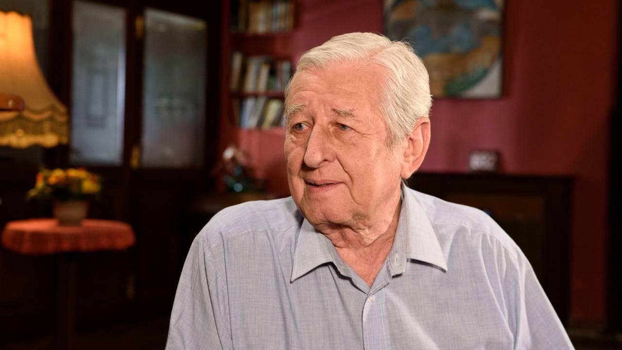 Dušan Vančura - Zpěvák a kontrabasista byl přes půl století členem Spirituál kvintetu. Jeho doménou byly texty
