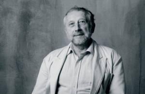 Jan Vodňanský - Humorista, básník a zpěvák tvořil s Petrem Skoumalem. Některé jejich písně jako Jak mi dupou králíci zlidověly