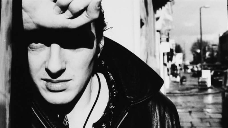 SMRT SI ŘÍKÁ ROCK'N'ROLL: Joe Strummer (48.)