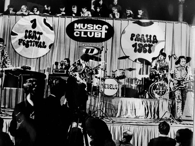 BIGBÍT: 5. část Od beat festivalů ke Kuřeti