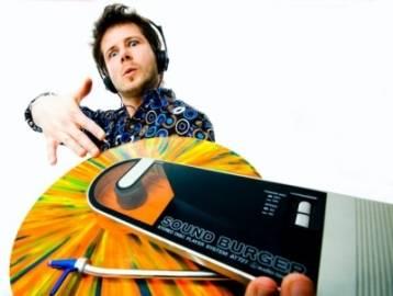 DJ Mikulas