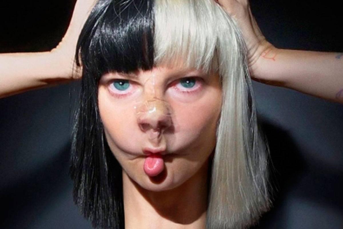 AUDIO: Sia tentokrát víc než písničkou zaujala obalem singlu i alba