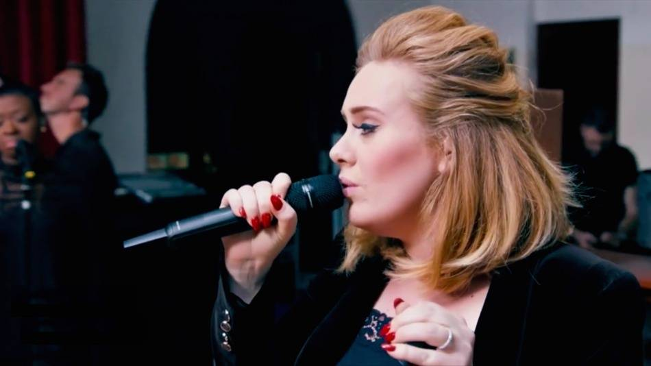 VIDEO: Adele představila živě novou písničku When We Were Young