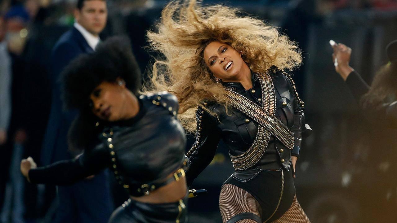 TOP 5 videoklipů týdne (73.): Beyoncé v zatopeném New Orleans i Def Leppard jako roboti
