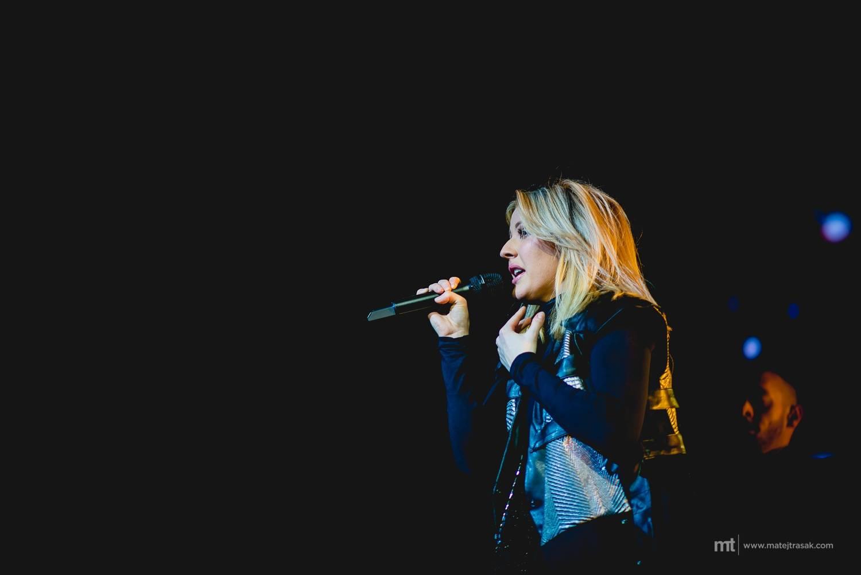 VIDEO: Propásli jste Ellie Goulding v Praze? Nový klip vás vezme přímo na její turné