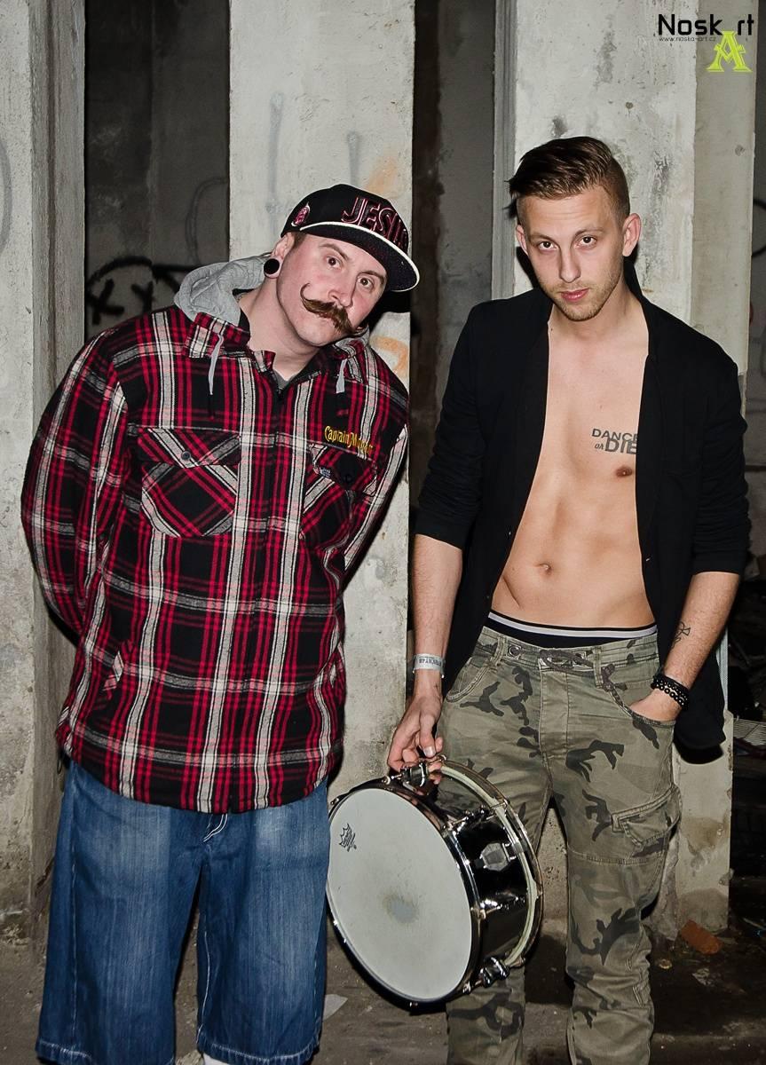 VIDEO: Pekař a bubeník Ondřej Štorek z Rybiček 48 se našli. Začíná jejich miniturné