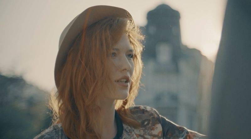 VIDEO: Debbi hudebně dospěla. Novinkou Hard To Believe potvrzuje svůj mimořádný talent