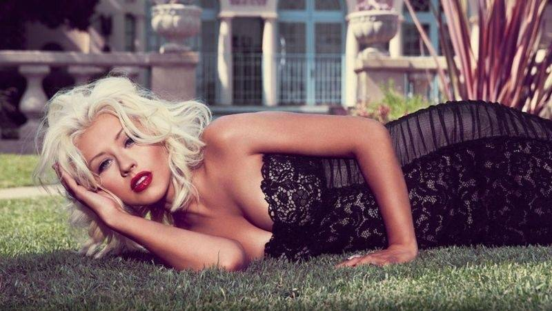 VIDEO: Christina Aguilera je zpět. Novinku Change věnovala obětem útoku v Orlandu