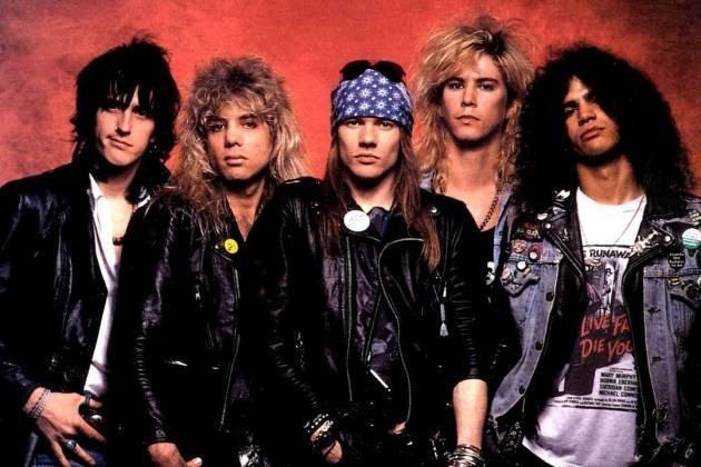 VIDEO: Guns N' Roses zahráli po šestadvaceti letech s původním bubeníkem Stevenem Adlerem