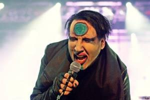 VIDEO: Pán zla Marilyn Manson udeří s novou deskou na Valentýna jako Satan