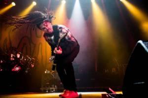 VIDEO: Korn se vrací ke kořenům. Mají gotický klip a na nové desce hostuje Corey Taylor ze Slipknot