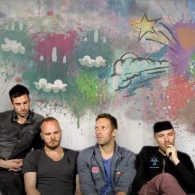 TOP 9 videoklipů týdne (101): Coldplay brázdí Mexiko a Placebo se oddávají podivným rituálům