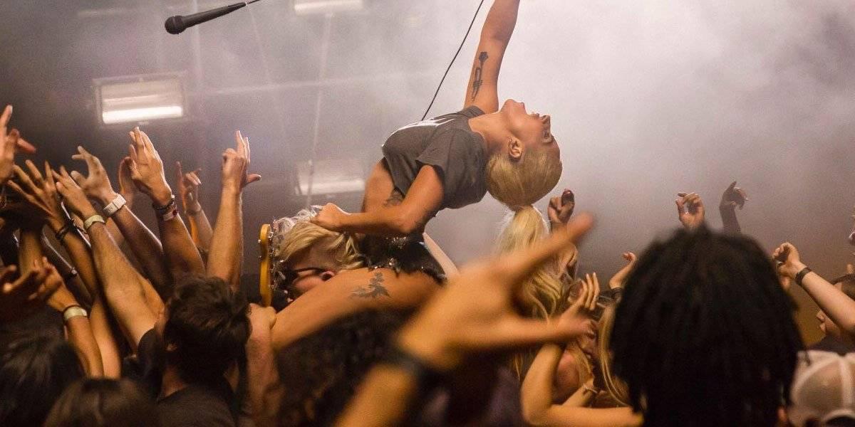 VIDEO: Zbraně Lady Gaga v Perfect Illusion jsou syrovost a rocková energie