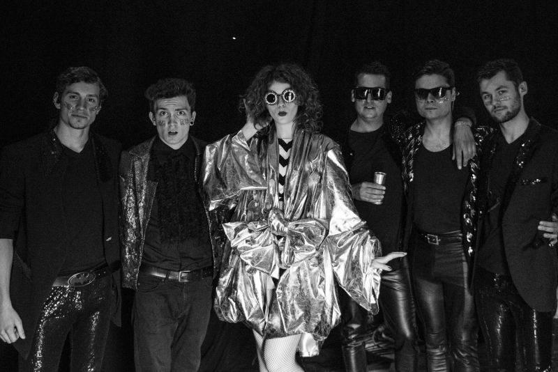 VIDEO: Just Dance, vzkazují Mydy Rabycad. Roztančí fanoušky v Londýně i v Lucerna Music Baru