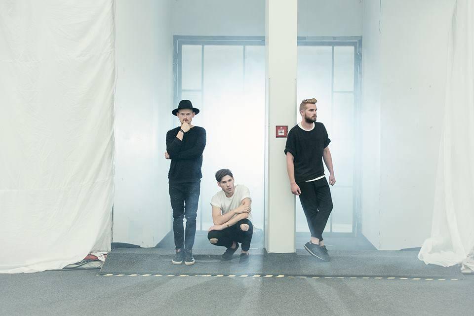 TOP 8 videoklipů týdne (111): Maroon 5 se vžili do role lovených Pokémonů, The Weeknd natočil krvák