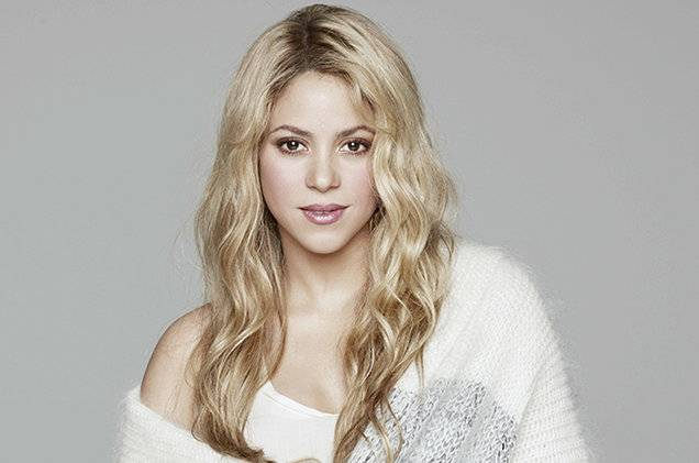 TOP 8 videoklipů týdne (114): Britney Spears a Shakira se vlní, Robbieho Williamse nezajímají ženy ani fotoaparáty