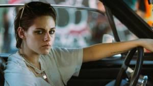 VIDEO: V divoké jízdě s Rolling Stones sedí za volantem herečka Kristen Stewart