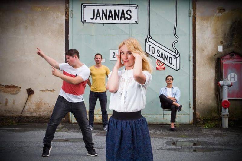 TOP 10 videoklipů týdne (117): Jana Kirschner zpívá o Vánocích, Jananas workoholikům a Red Hoti o Hollywoodu