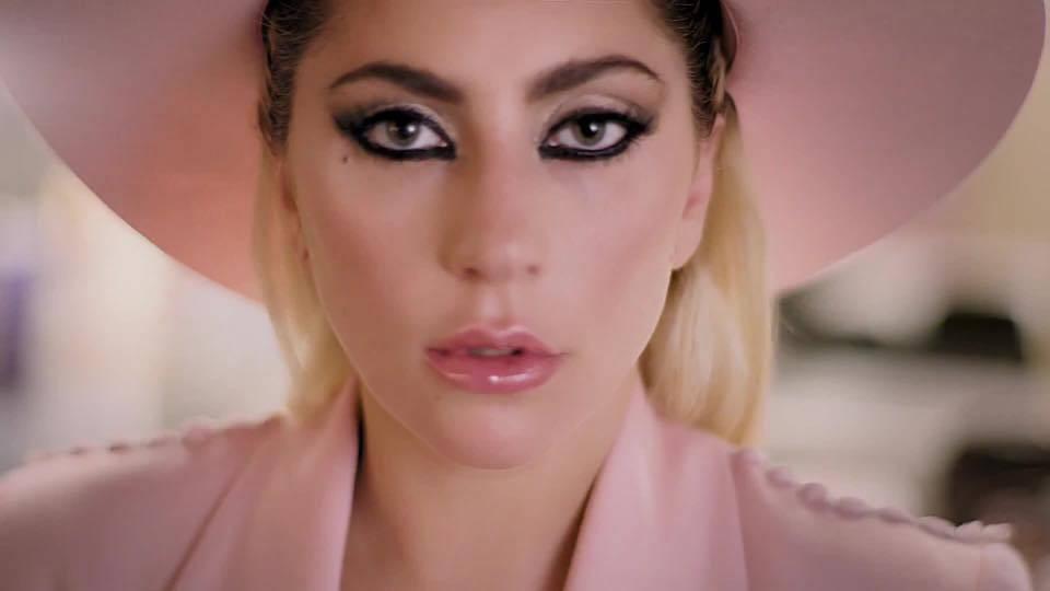 TOP 8 videoklipů týdne (118.): Cermaque vynáší Ortely, Lady Gaga hledá důvod, proč zůstat